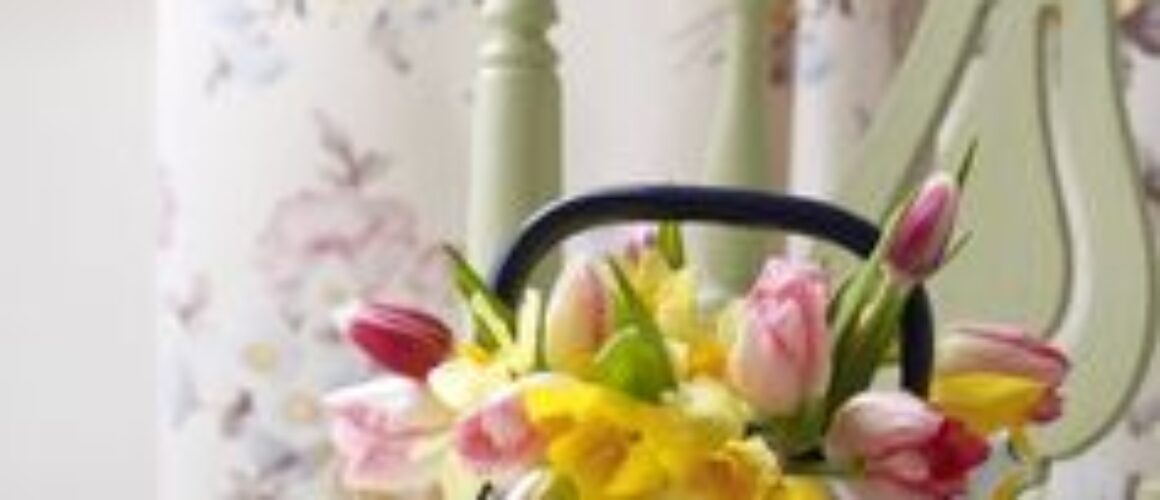 teapot and daffodils